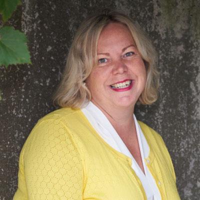 Headshot of Dr. Helen Hambly