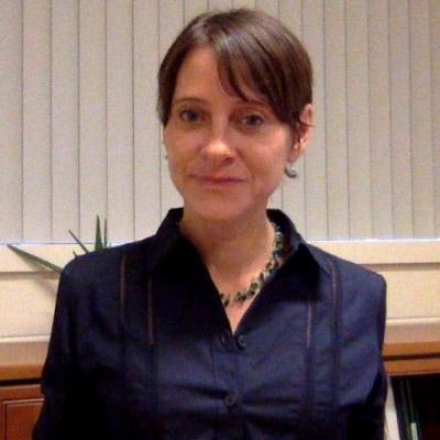 Headshot of Cynthia Kallenbach